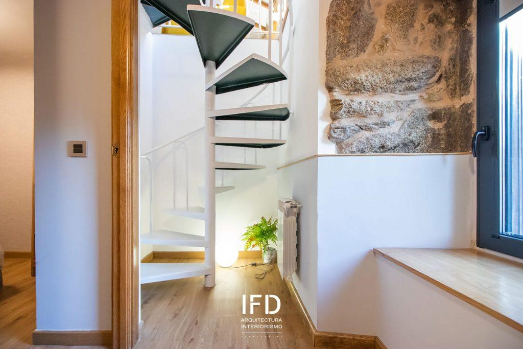 escalera-proyecto-diseño-de-interiores-casa-rural-pontevedra-02