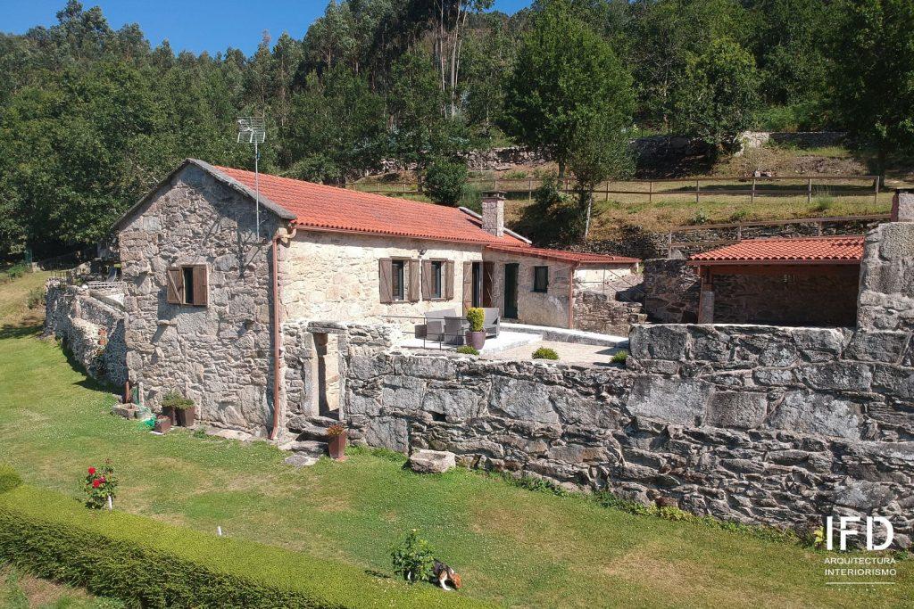 exterior-reforma-casa-rural-pontevedra-01